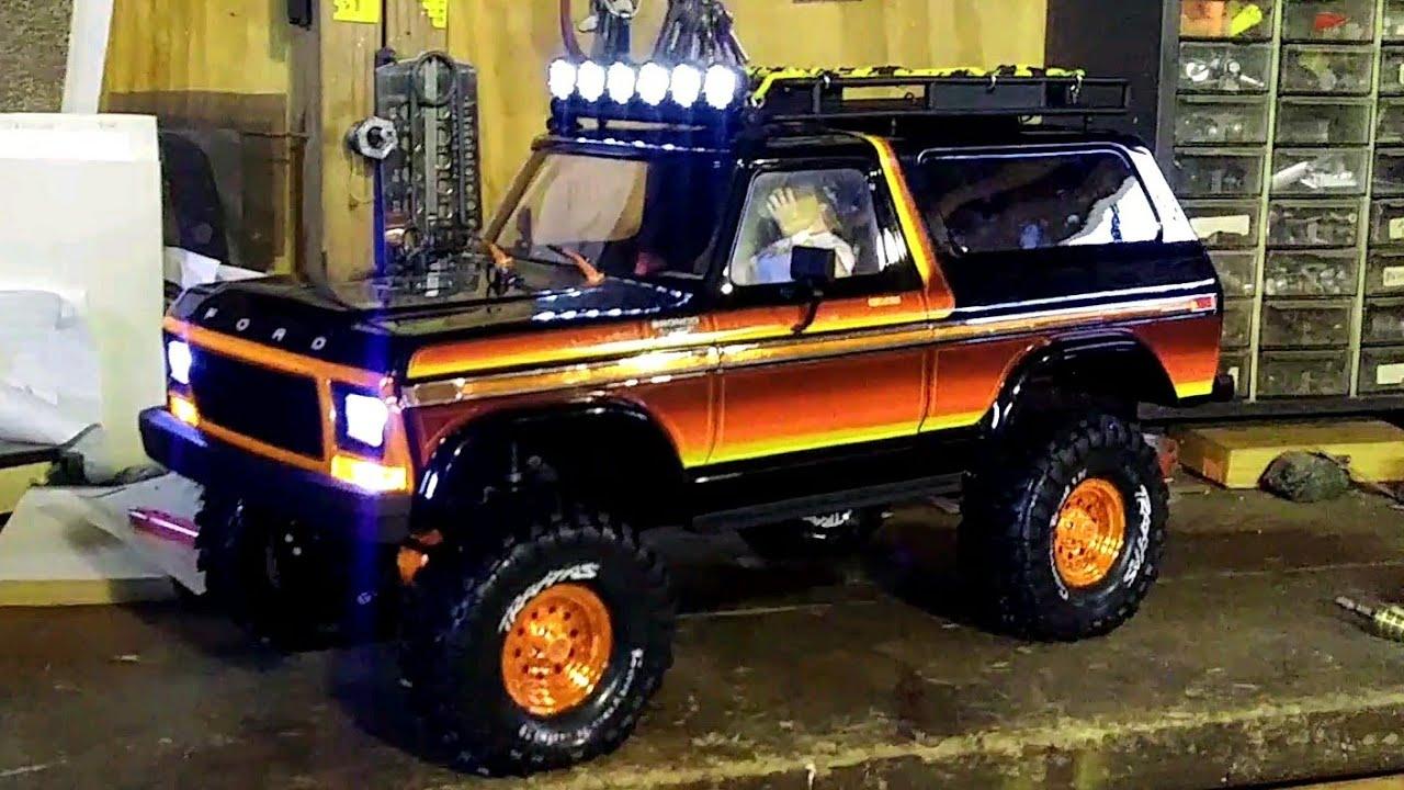 TRX4 Bronco Roof Rack & Light Bar - YouTube