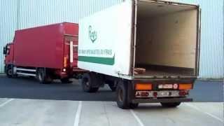 manoeuvre de camion remorque 8 carriers-trailer