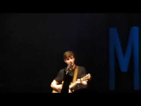 "Shawn Mendes ""Aftertaste"" off the mic -- Milwaukee"