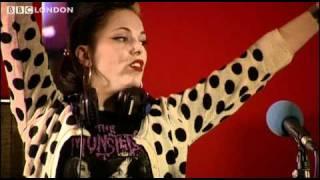 Baixar Imelda May live session- Train Kept A Rollin'