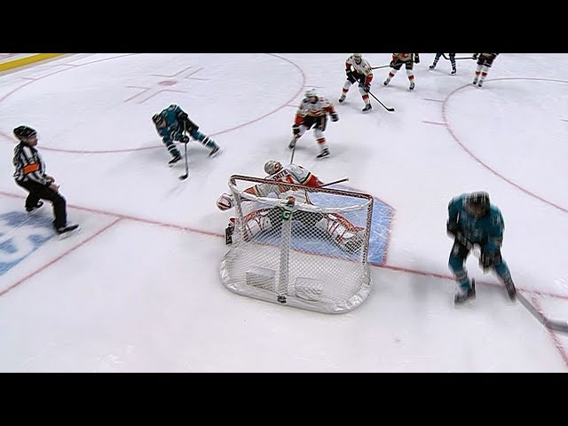 Mike Smith shuts down Donskoi on two-on-none