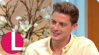 """Love Island's Dr Alex Was """"Too Shy"""" to Ask Out Host Caroline Flack 