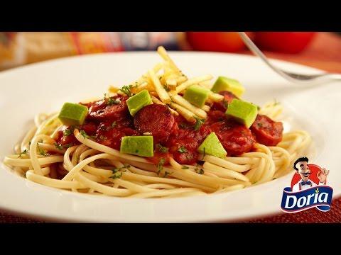 Spaghetti huevo Doria a la mexicana y palitos de papa
