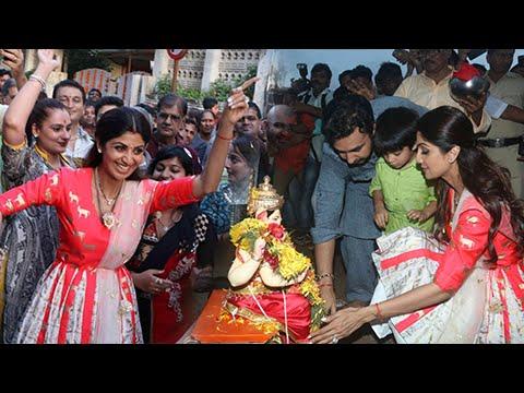 (VIDEO) Shilpa Shetty, Son Viaan Dance At Ganpati Visarjan
