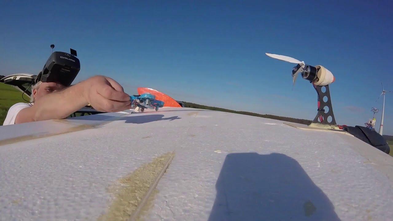 FPV-Drohne landet im Flug auf Modellflieger - #FPVLandingChallenge #landherewithyourdrone картинки