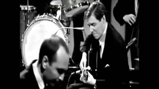 Watch Tom Jobim Samba De Uma Nota So video