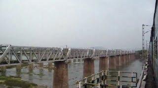 11463 Somnath Jabalpur Express over the Holy Narmada River at Hoshangabad.