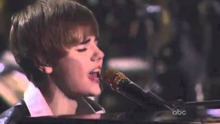 Justin Bieber's voice cracking while preforming.