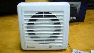 видео Бесшумный вентилятор в ванную комнату: с обратным клапаном вытяжка, вентиляция 100 для туалета, тихий рейтинг