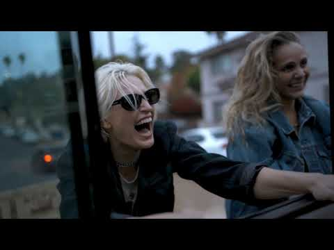 Смотреть клип Dead Sara - Hands Up