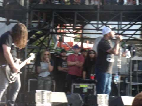 Rockfest 2014 - Staind - When I'm Gone, Aaron goes off on the crowd...