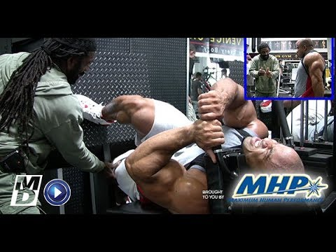 Build Massive Legs With Victor Martinez and Charles Glass