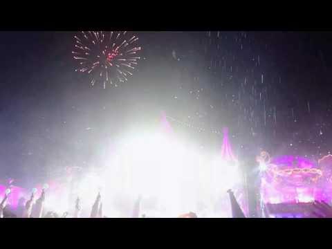Dimitri Vegas & Like Mike vs. David Guetta feat. Kiiara - COMPLICATED (Tomorrowland 2017)