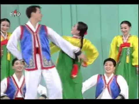 North Korean Dancing to a Folk Tune 옹헤야 (Onghea) 北朝鮮舞踏「オンヘヤ」