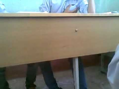 Học sinh bị sờ tý trong lớp!