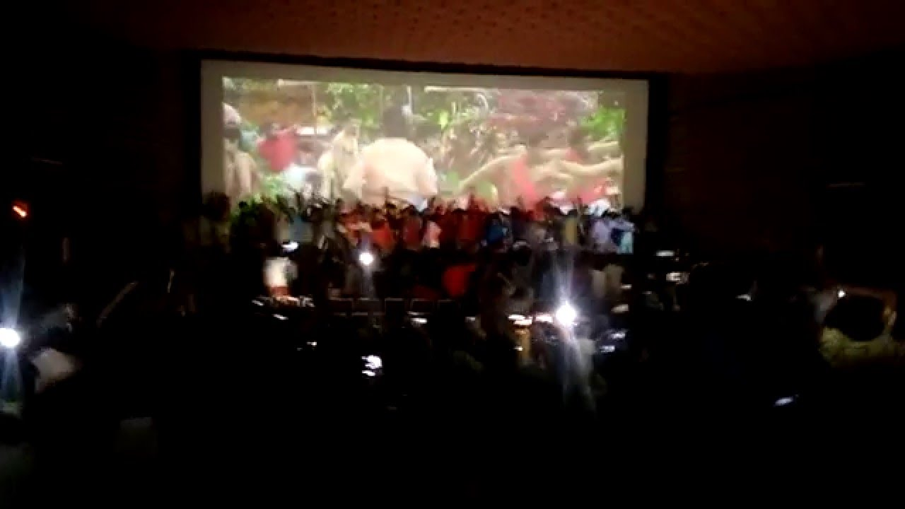 Narasimham Returns - Mohanlal Fans Theatre Celebration _ Ernakulam Savitha HD
