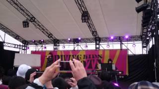 小田えりな、左伴彩佳 桜の花びらたち 20150329 ドライビングキッズフェ...