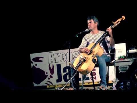 La chitarra di Paolo Angeli (spiegata da Paolo Angeli)