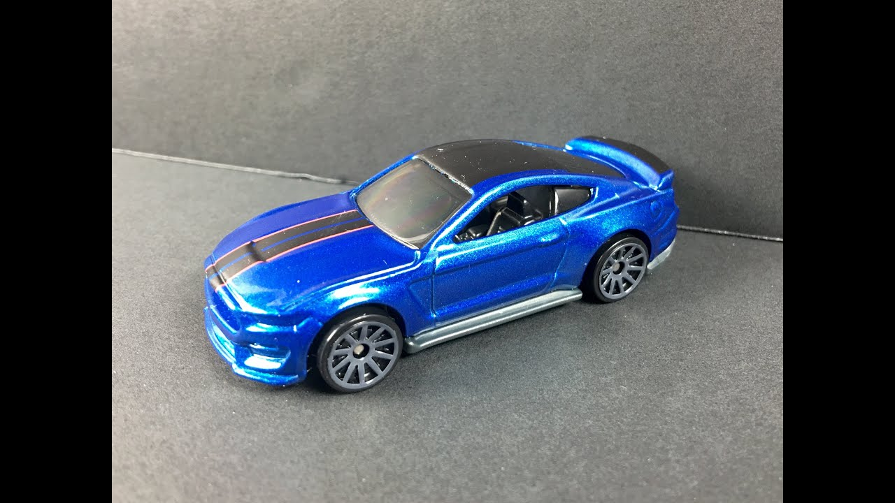 Gt350r Review >> Hot Wheels Ford Mustang Shelby GT350R Review 1:64 - YouTube