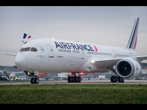 **Water Salute** Air France Boeing 787-9 first landing in Paris CDG