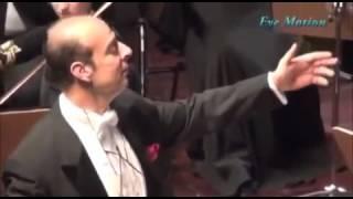 الميسترو نادر عباسي يجعل من الجمهور آلة موسيقية