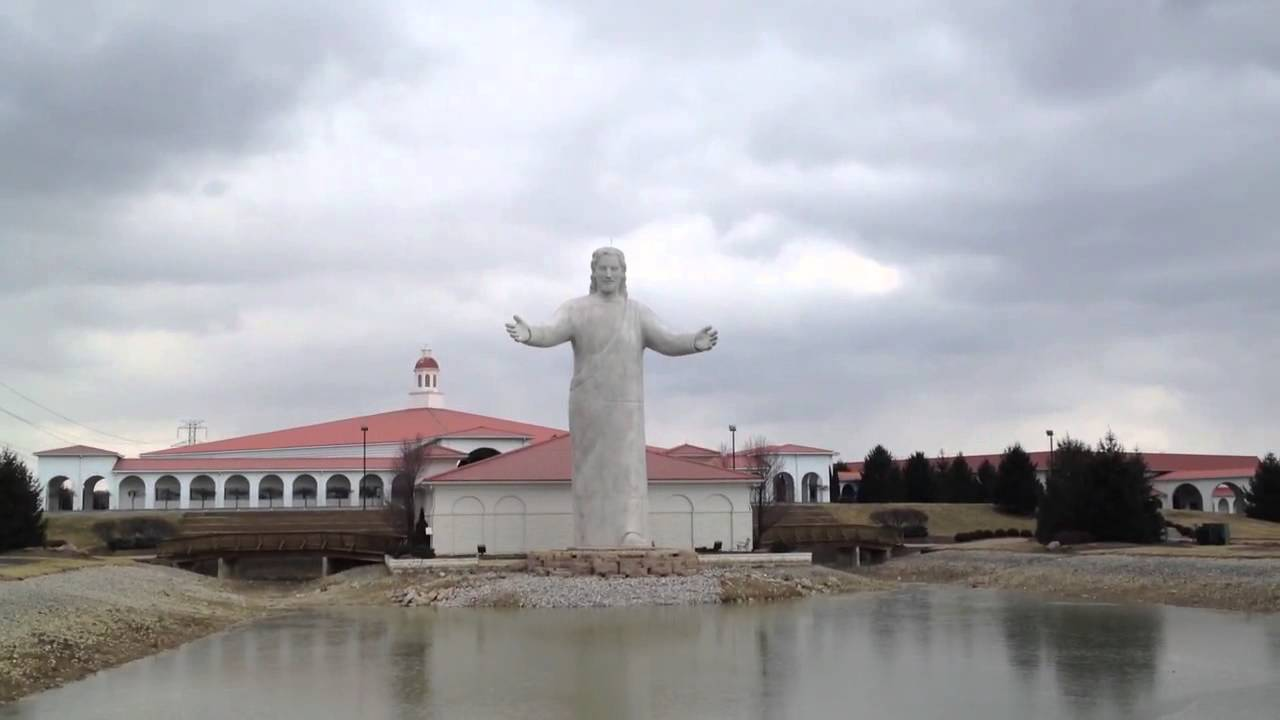 Huge Jesus statue at Solid Rock Church - YouTube