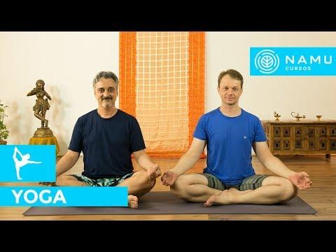 Posição de yoga - saudação a lua - chandra namaskar | Anderson Allegro