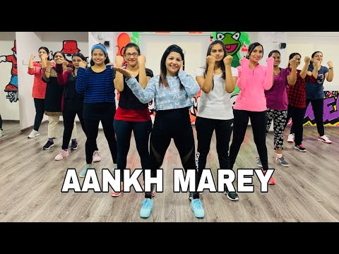 Aankh Marey Bollywood Dance Workout | SIMMBA | Fitness Dance