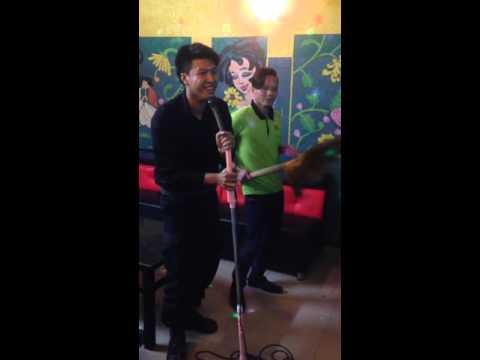 Len noc nha bat con ga phien ban loi karaoke tuong vy 1