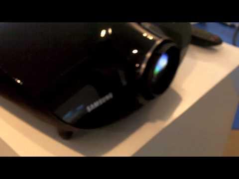 Grande cinema in anteprima con il proiettore DLP Samsung SP-A8000