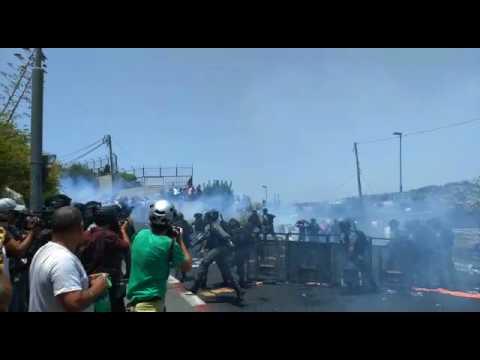 Palestinians riots outside Old City of Jerusalem