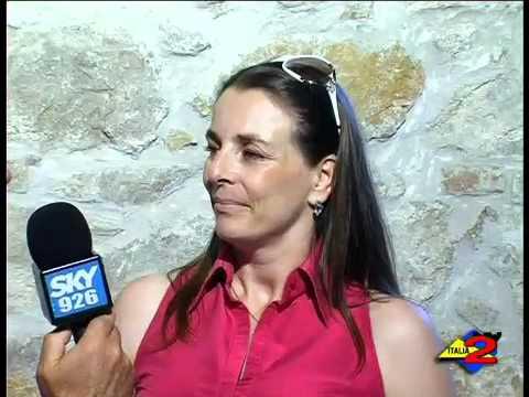 Italia 2 Tv 24-8-2010 Intervsita a Luciana Di Mieri.mp4