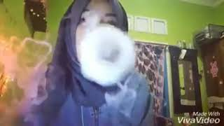 the best vape trick of hijab girls, amazing life 2017