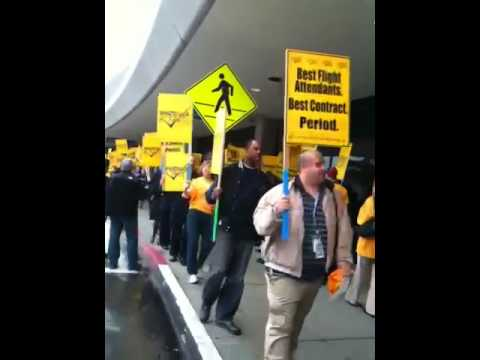 United Airlines worker protest at SFO because of late pay