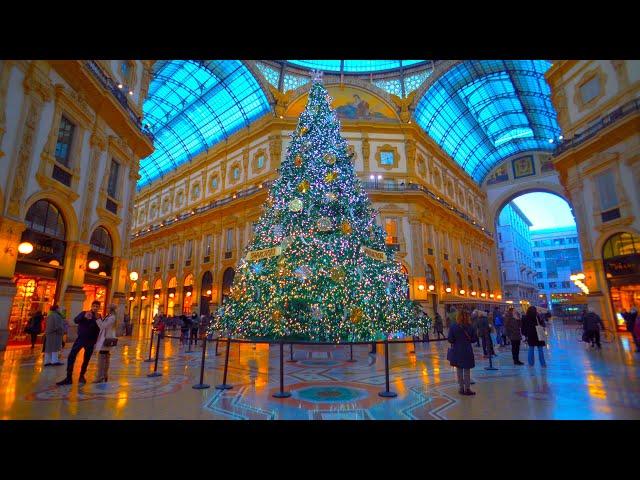 Affolamenti in centro di Milano. Albero di Natale Swarovski alla Galleria e a Duomo. Capodanno 2020