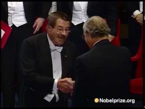Günter Grass receives the Nobel Prize in Literature 1999