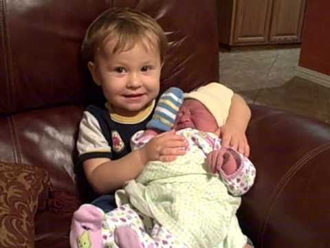 Big Brother Meets Baby Sister, Pt. 2 - YouTube
