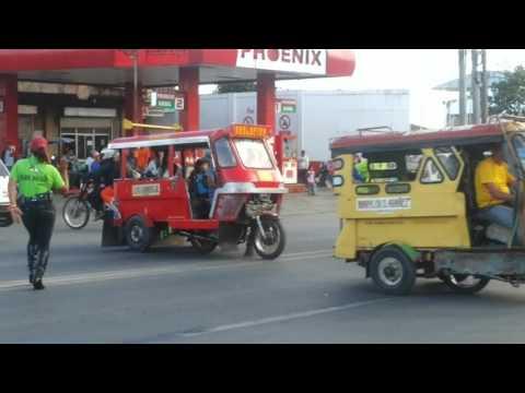 Valencia City,Bukidnon Dancing Traffic Enforcers.
