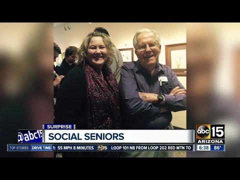 Valley woman teaching social media at senior center