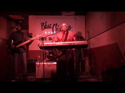 John Vaughn at Blue Chicago 11/26/16 Garbage Man Blues