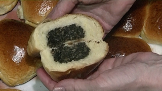 Дрожжевые пирожки с маковой начинкой / Yeast cakes with poppy filling .