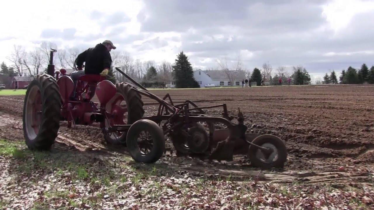 Dearborn Plow Parts - Steiner Tractor Parts