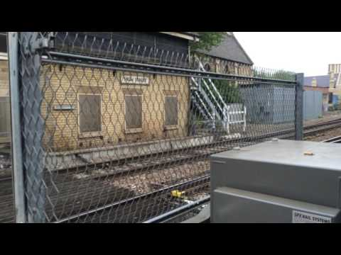 (720p) Lincoln Central Level Crossing (03/06/16)