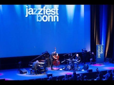 "Jazzfest Bonn 2018: Michael Wollny Trio, ""When the Sleeper Wakes"" (M. Wollny), Bundeskunsthalle"