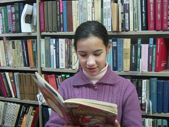 Изображение предпросмотра прочтения – ВикторияСмирнова читает произведение «Вербочки» А.А.Блока