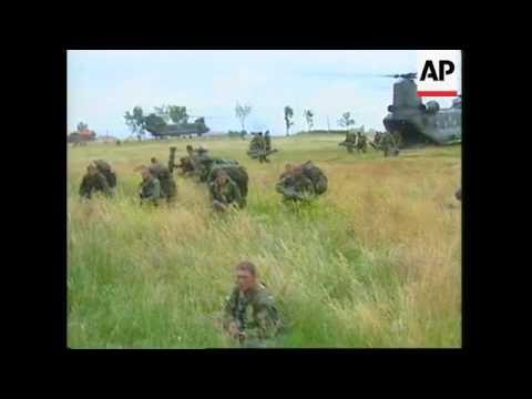 KOSOVO: BRITISH PARATROOPERS ARRIVE IN PRISTINA