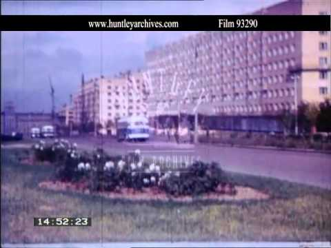 Moscow shopping in the 1960's.  Archive film 93290
