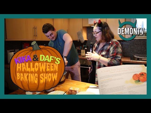 Kika and Daf's Halloween Baking Show