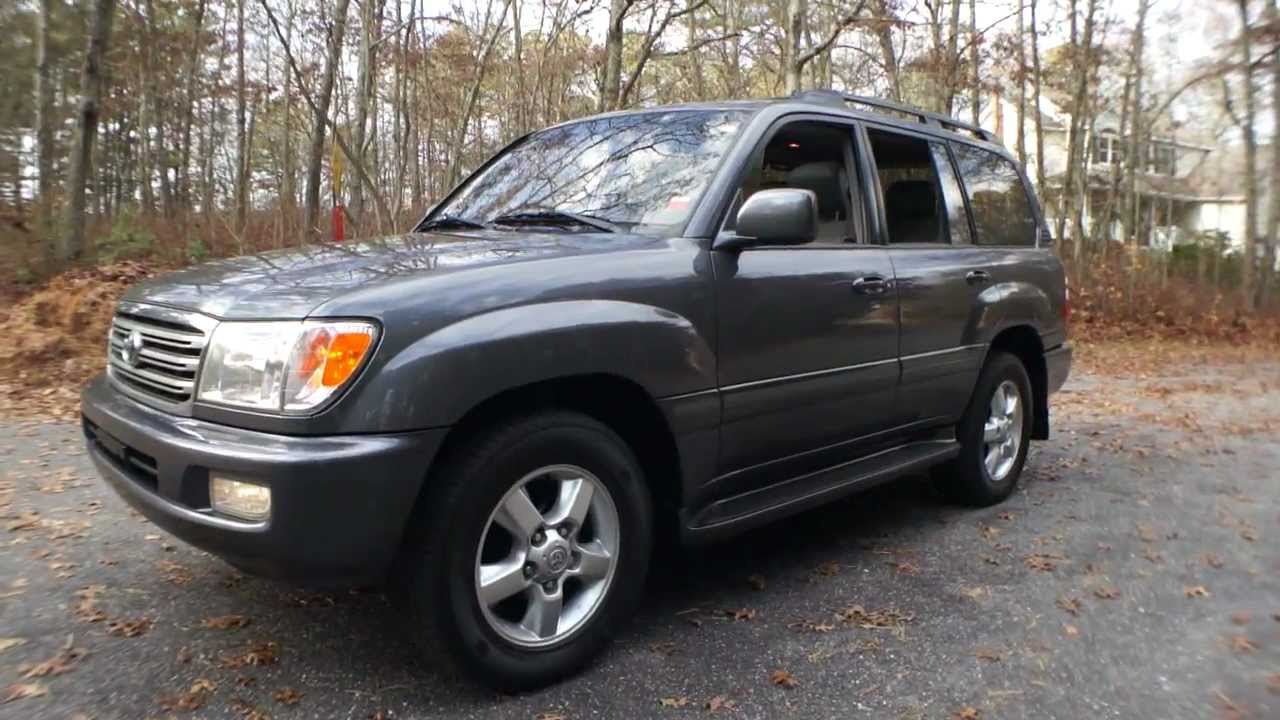 2003 Toyota Land Cruiser~Navigation~DVD Entertainment~Moon Roof~Heated  Seats~A++