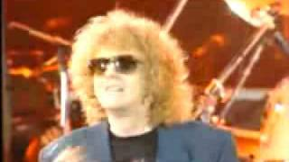 All the Young Dudes live in concert with Mott the Hoope (Ian Hunter...